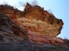 farbenprächtige Sandsteinformation beim Abstieg in die